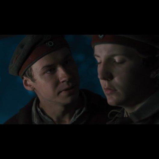 Günther (David Kross) versucht, Michael zu beschützen - Szene