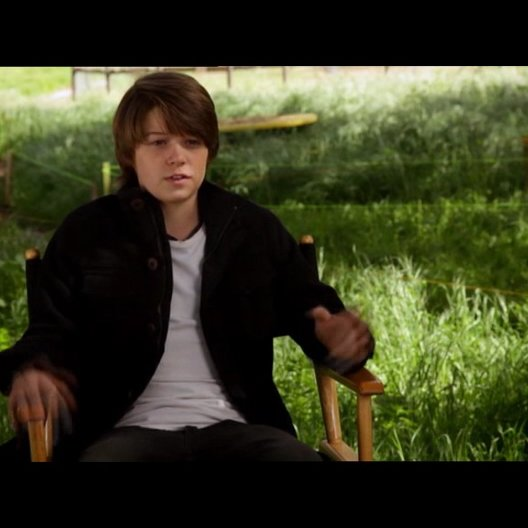 Colin Ford - Dylan Mee - über Cameron Crowe - OV-Interview