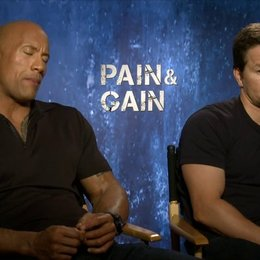 Mark Wahlberg und Dwayne Johnson - Daniel Lugo und Paul Doyle - über den Regisseur Michael Bay - OV-Interview