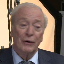Michael Caine - Arthur Tressler - über die Geschichte - OV-Interview