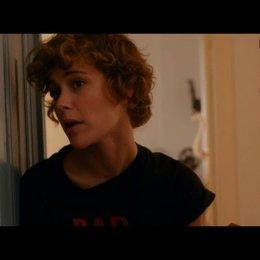 Helen lernt Corinna kennen - Szene
