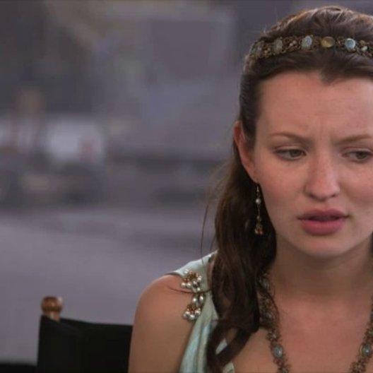 Emily Browning - Cassia - über den Reiz ihrer Rolle, die Sets, den Film - OV-Interview