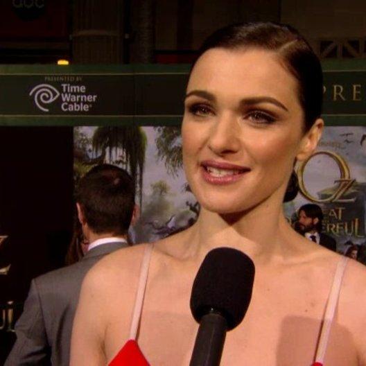 US Premiere - Rachel Weisz (Evanora) über den Look des Films - OV-Interview