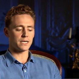 Tom Hiddleston (Capt Nicholls) über die Geschichte von die Gefährten - OV-Interview