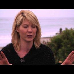 Jenna Elfman über die Story - OV-Interview