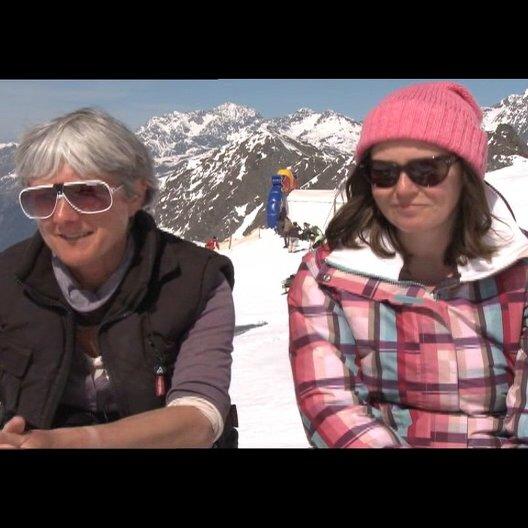 Pippa Cross und Harriet Rees (Produzenten) über die Zusammenarbeit mit einem internationalen Team - OV-Interview