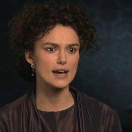 Keira Knightley über das Theater als Metapher für den russischen Adel - OV-Interview