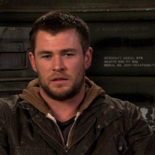 Chris Hemsworth über die Zusammenarbeit mit Regisseur Dan Bradley - OV-Interview