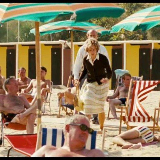 Die Grosseltern holen Robert vom Strand in Italien - Szene