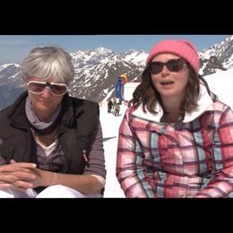 Pippa Cross und Harriet Rees (Produzenten) über die Geschichte - OV-Interview