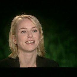 Naomi Watts steht zu ihrem Part als Ann Darrow und ihrer Beziehung zu dem Riesenaffen Rede und Antwort. (2:04 min) - OV-Interview