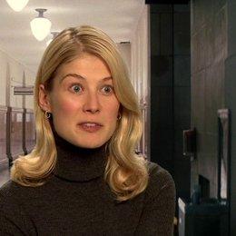 Rosamund Pike - Helen über das Reacher Phänomen - OV-Interview