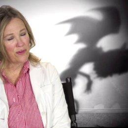 Catherine O Hara - Mrs Frankenstein - über Tim Burton - OV-Interview