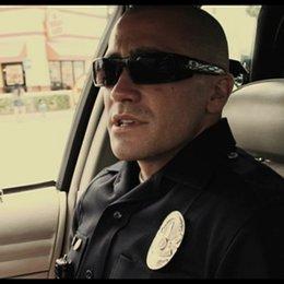 Officer Taylor und Officer Zavala filmen sich im Auto - Szene
