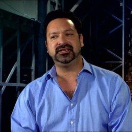 Regisseur über das riesige Setting - OV-Interview