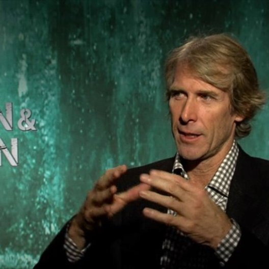 Michael Bay - Regisseur - darüber um was es in dem Film geht - OV-Interview