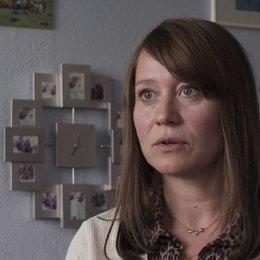 Trine Dyrholm (Nataschas Mutter) über die Arbeit an einer realen Geschichte - OV-Interview
