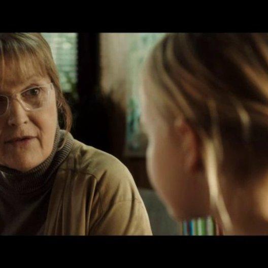 Grethe und Ole befragen Klara zu den Vorwürfen - Szene