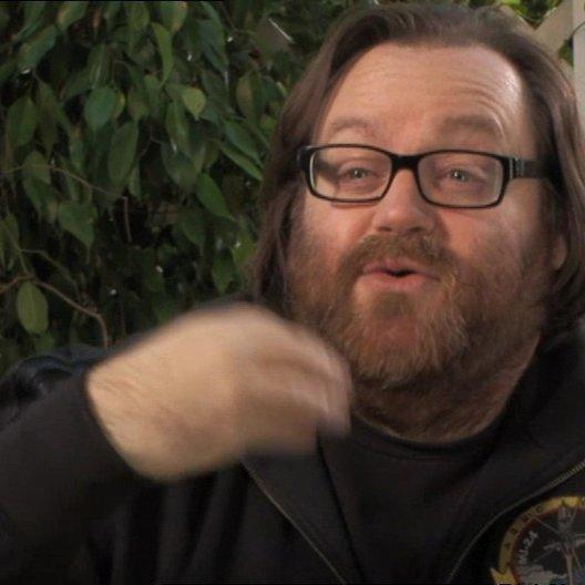 John Moore (Regisseur) über die Machbarkeit von realen Bildeffekten - OV-Interview