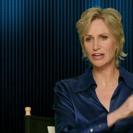 Jane Lynch - Calhoun - was das Publikum erwarten kann - OV-Interview