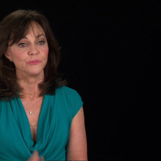 Sally Field (Mary Todd Lincoln) über Joanna Johnston - OV-Interview