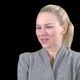 Naomi Watts - Maria über die heraufordernste Szene - OV-Interview