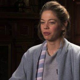 Analeigh Tipton darüber wie sich Julie in einen Zombie verliebt - OV-Interview