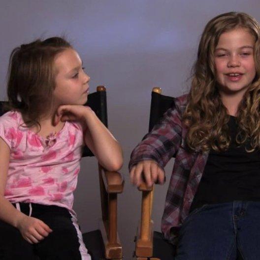 Megan Charpentier über Mamas Persönlichkeit - OV-Interview