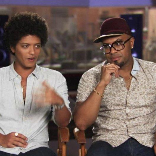 Bruno Mars & Philip Lawrence - Roberto & Felipe - darüber, an einem Animationsfilm zu arbeiten - OV-Interview
