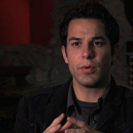 Skylar Astin über das Besondere an diesem Film - OV-Interview