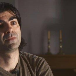 Fatih Akin erklärt, was für ihn der Unterschied zwischen Dokumentarfilm und Spielfilm ist - Interview