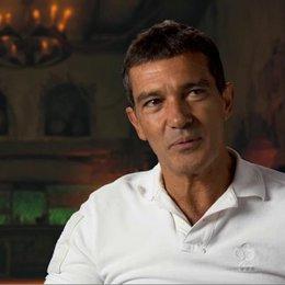 ANTONIO BANDERAS - Originalstimme Der Gestiefelte Kater - darüber, dass Der Gestiefelte Kater seinen eigenen Film bekommt - OV-Interview