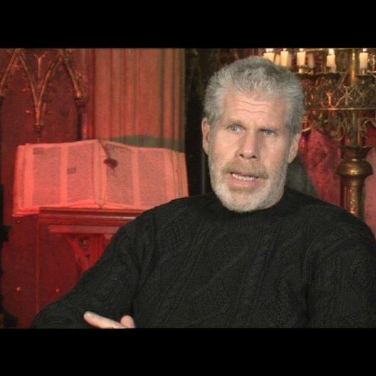Ron Perlman über das Reiten - OV-Interview