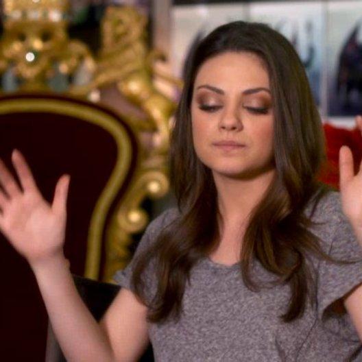 Mila Kunis (Theodora) darüber Teil des Projekts zu sein - OV-Interview