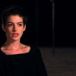 Anne Hathaway über die Buchvorlage - OV-Interview