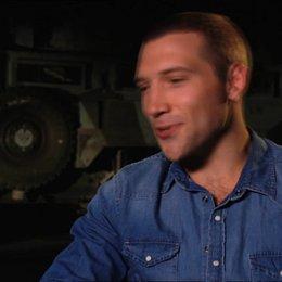 Jai Courtney (Jack McClane) über die Erfahrungen von McClane und Jack - OV-Interview