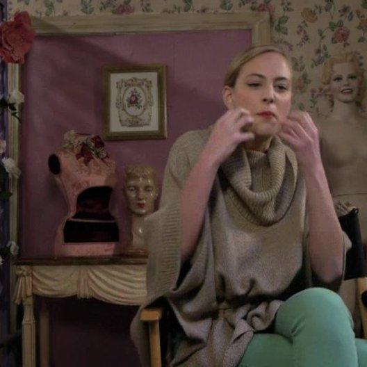 Nora Arnezeder über Elijah Wood und seine Rolle - OV-Interview