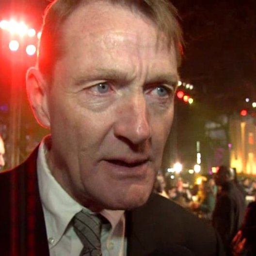 Weltpremiere - Lee Child - Autor über Tom Cruise als Jack Reacher - OV-Interview
