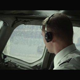 Sind wir schon mal zusammen geflogen - Szene