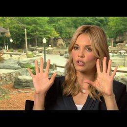 Leslie Bibb über was man von Tieren lernen kann - OV-Interview
