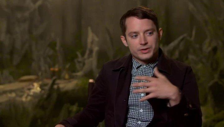 Elijah Wood - Dolan der 37te - über Hexen im Film - OV-Interview Poster