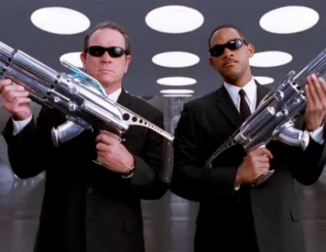 "Wer übernimmt den Job von Tommy Lee Jones und Will Smith in ""Men in Black 4""? © Sony Pictures"