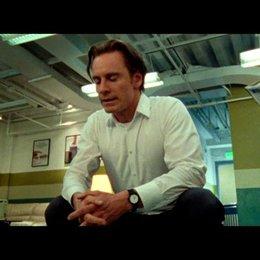 Crisann konfrontiert Steve mit einem Artikel aus dem Time Magazine - Szene Poster