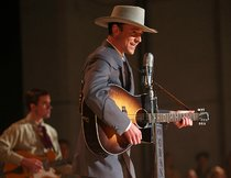 """I Saw the Light"": Erster Trailer zeigt ""Thor""-Darsteller Tom Hiddleston als Hank Williams"
