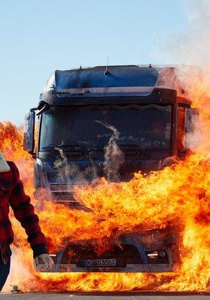 Die Truckerin - Eine Frau geht durchs Feuer Poster