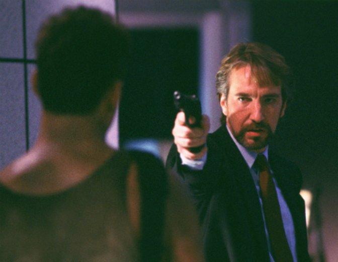 """Als durchtriebener Terrorist Hans Gruber gibt Alan Rickman in """"Stirb Langsam"""" sein Filmdebüt © Fox"""