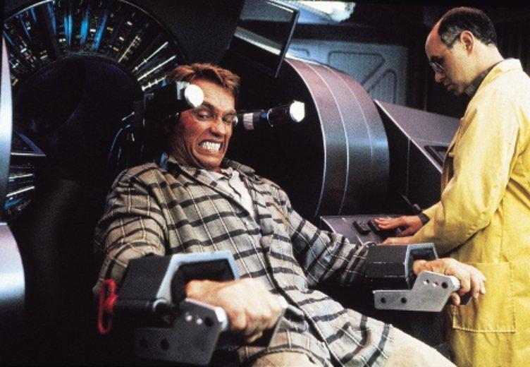 """Arnold Schwarzenegger liefert mit """"Total Recall""""(1990) ein frühes Beispiel für ein Mindfuck-Movie. © Scotia"""