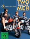 Two and a Half Men: Mein cooler Onkel Charlie - Die komplette zweite Staffel (4 DVDs) Poster