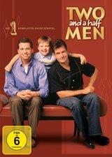 Two and a Half Men: Mein cooler Onkel Charlie - Die komplette erste Staffel (4 DVDs) Poster