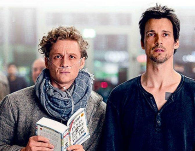 Erlebt Schweighöfer und Fitz live am Roten Teppich in München. © Warner